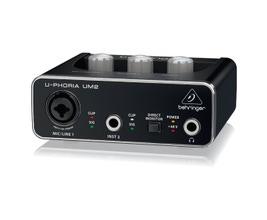Behringer UM2 Interface de Áudio USB